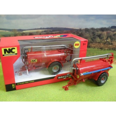 BRITAINS 1:32 NC 2500 SLURRY TANKER ROAD SIDE