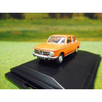 OXFORD 1:76 BMW 2002 SALOON IN COLORADO ORANGE