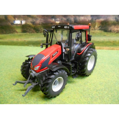 UNIVERSAL HOBBIES 1:32 VALTRA N103 TRACTOR BRIGHT RED