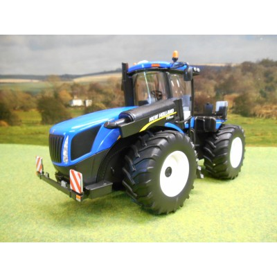 BRITAINS 1:32 NEW HOLLAND T9.565 ARTICULATED TRACTOR