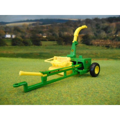 BRITAINS HERITAGE 1:32 JOHN DEERE 3765 TRAILED FORAGE HARVESTER