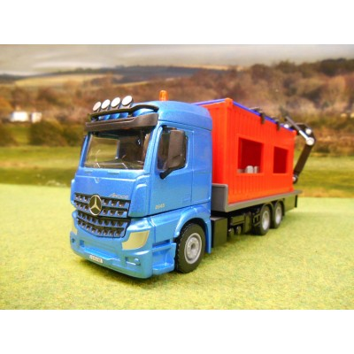 SIKU 1:50 MERCEDES AROCS 2645 SIX WHEELER FLATBED LORRY & PORTABLE CABIN