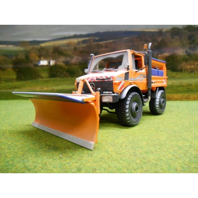 SCHUCO LIMITED EDITION 1:32 MERCEDES BENZ UNIMOG U 1600 GRITTER & SNOW PLOUGH