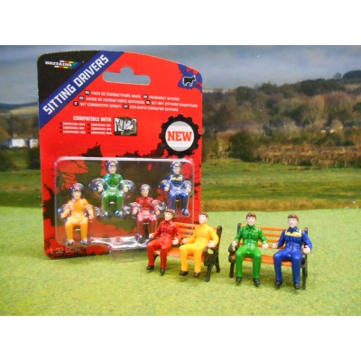 BRITAINS 1:32 FARM TRACTOR DRIVER FIGURES PACK OF 4