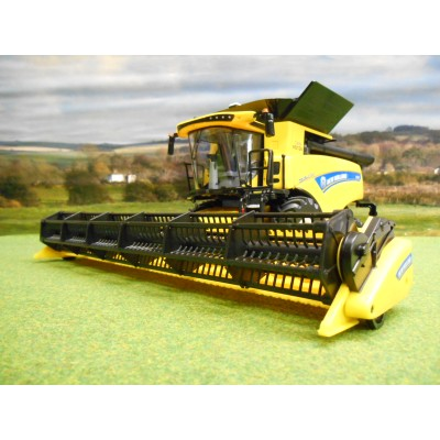 BRITAINS 1:32 NEW HOLLAND CR 9.90 REVELATION TWIN ROTOR COMBINE HARVESTER