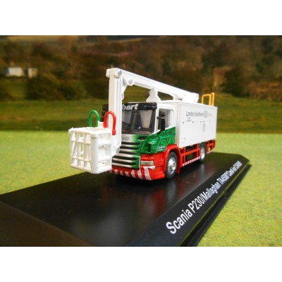 ATLAS OXFORD 1:76 STOBART AIR SCANIA P230 AIRCRAFT DE-ICER