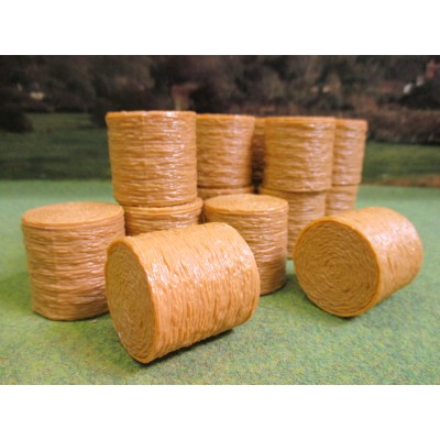 UNIVERSAL HOBBIES 1:32 ROUND STRAW BALES PACK OF 20