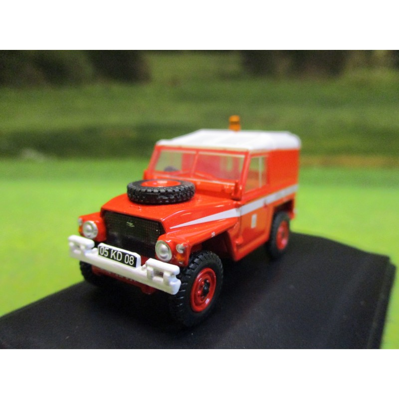OXFORD 1:76 LANDROVER 1/2 TON LIGHTWEIGHT RAF RED ARROWS