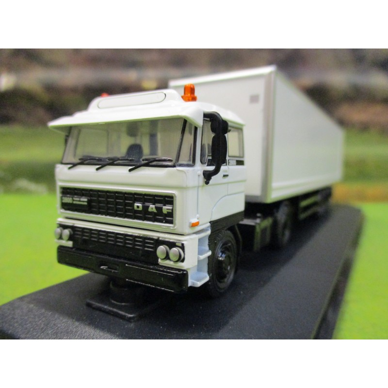 OXFORD 1:76 DAF 2800 BOX TRAILER IN WHITE