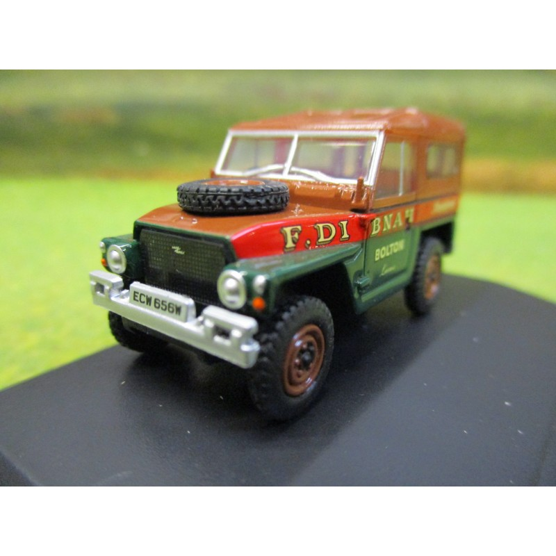 OXFORD 1:76 FRED DIBNAH LANDROVER 1/2 TON LIGHTWEIGHT