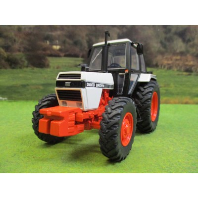 UNIVERSAL HOBBIES 1:32 DAVID BROWN (CASE) 1490 4WD TRACTOR
