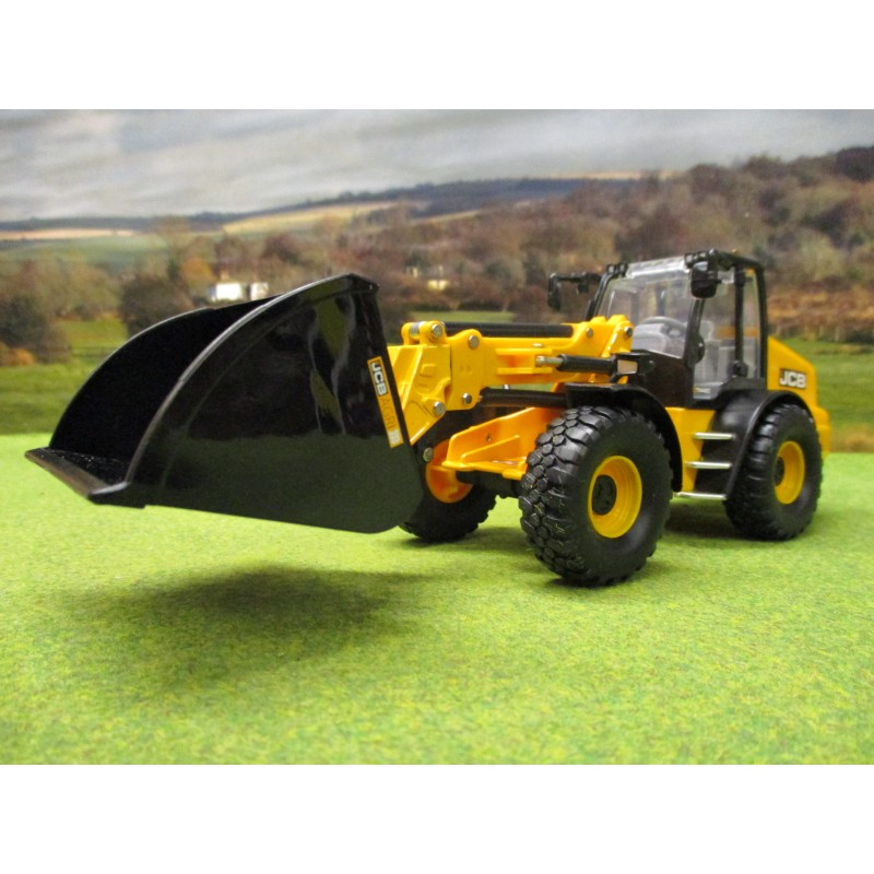 BRITAINS 1:32 JCB TM 420 WHEEL LOADER