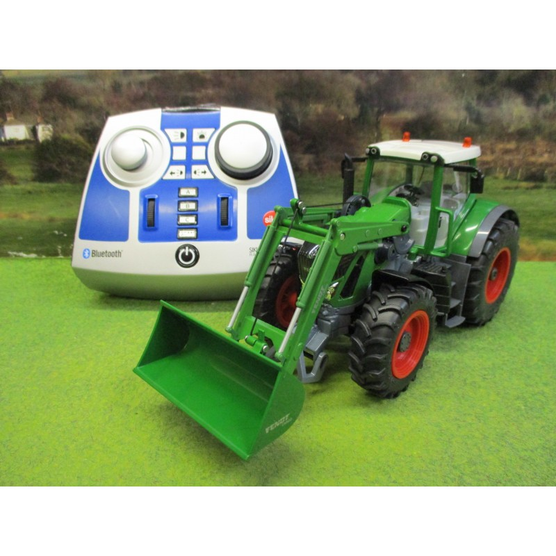 SIKU CONTROL BLUETOOTH 1:32 FENDT 939 VARIO WITH FRONT LOADER (2019 VERSION)
