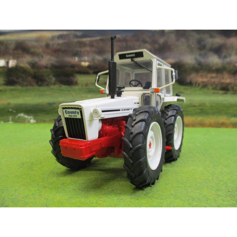 UNIVERSAL HOBBIES 1:32 COUNTY 1174 TRACTOR ONE OFF CUSTOMER EDITION 1979