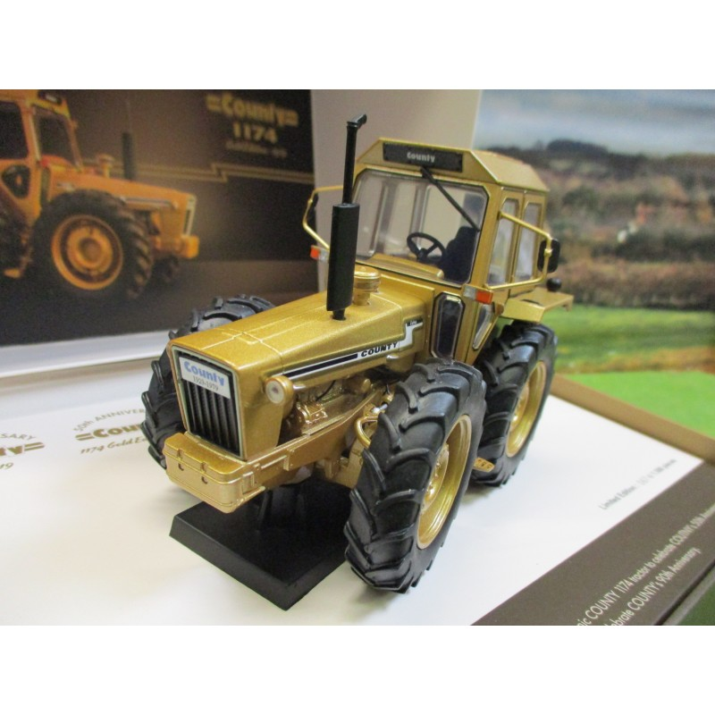 UNIVERSAL HOBBIES 1:32 COUNTY 1174 TRACTOR 1979 GOLD 50th ANNIVERSARY EDITION