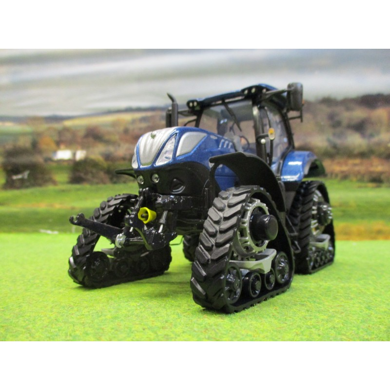UNIVERSAL HOBBIES 1:32 NEW HOLLAND T7.225 BLUE POWER TRACKED TRACTOR