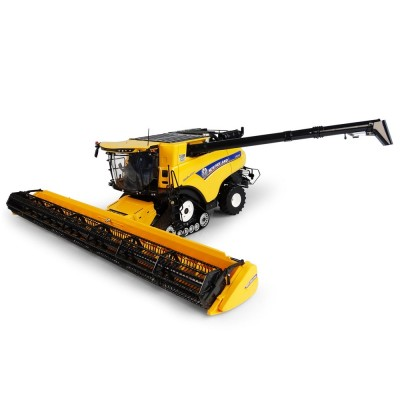 UNIVERSAL HOBBIES 1:32 NEW HOLLAND TRACKED CR10.90 REVELATION COMBINE WITH 34CM HEADER