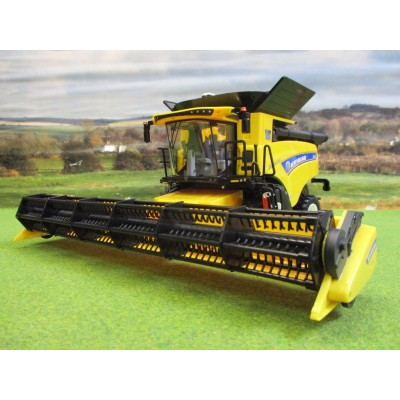BRITAINS 1:32 NEW HOLLAND CR 9.90 45th ANNIVERSARY LIMITED EDITION COMBINE HARVESTER