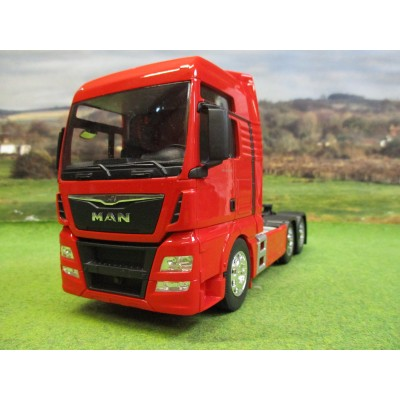 WELLY 1:32 MAN TGX 26.440 6 WHEEL TRACTOR UNIT TRUCK RED
