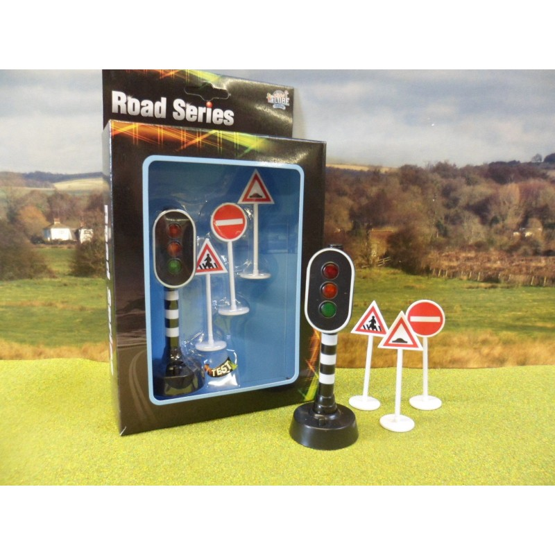 KIDS GLOBE WORKING TRAFFIC LIGHT & ROAD SIGNS WITH BATTERY