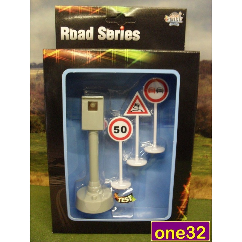 KIDS GLOBE WORKING FLASHING ROAD CONES & ROAD SIGNS WITH BATTERIES