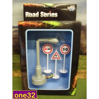 KIDS GLOBE WORKING FLASHING SPEED CAMERA & ROAD SIGNS WITH BATTERY