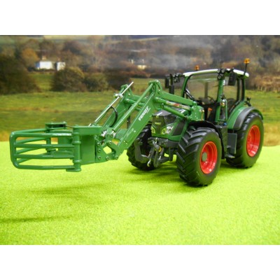 UNIVERSAL HOBBIES 1:32 FENDT 516 & LOADER WITH BALE GRAB 4WD TRACTOR