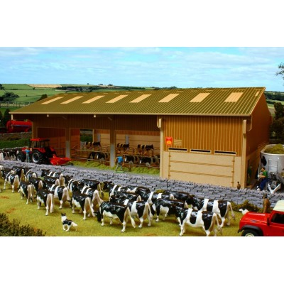 BRUSHWOOD 1:32 BASICS WOOD COW HOUSE BARN