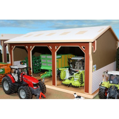 BRUSHWOOD 1:32 WOOD TRACTOR SHED BARN
