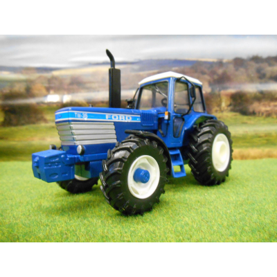 BRITAINS 1:32 CLASSIC FORD TW15 4WD TRACTOR