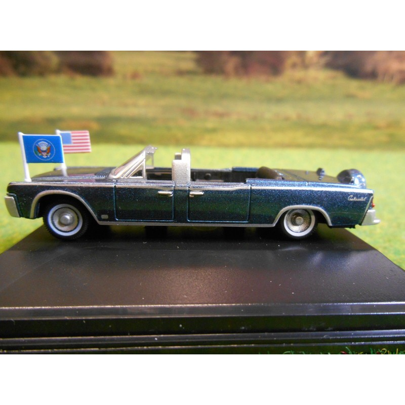 oxford 1 87 1961 presidential lincoln continental x100 metalic blue one32 farm toys and models. Black Bedroom Furniture Sets. Home Design Ideas