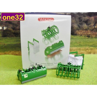 WIKING 1:32 FRONT LOADER ACCESSORIES - SET B JOHN DEERE GREEN