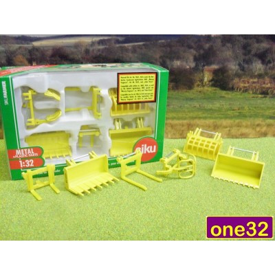 SIKU 1:32 TRACTOR LOADER ATTACHMENTS SET