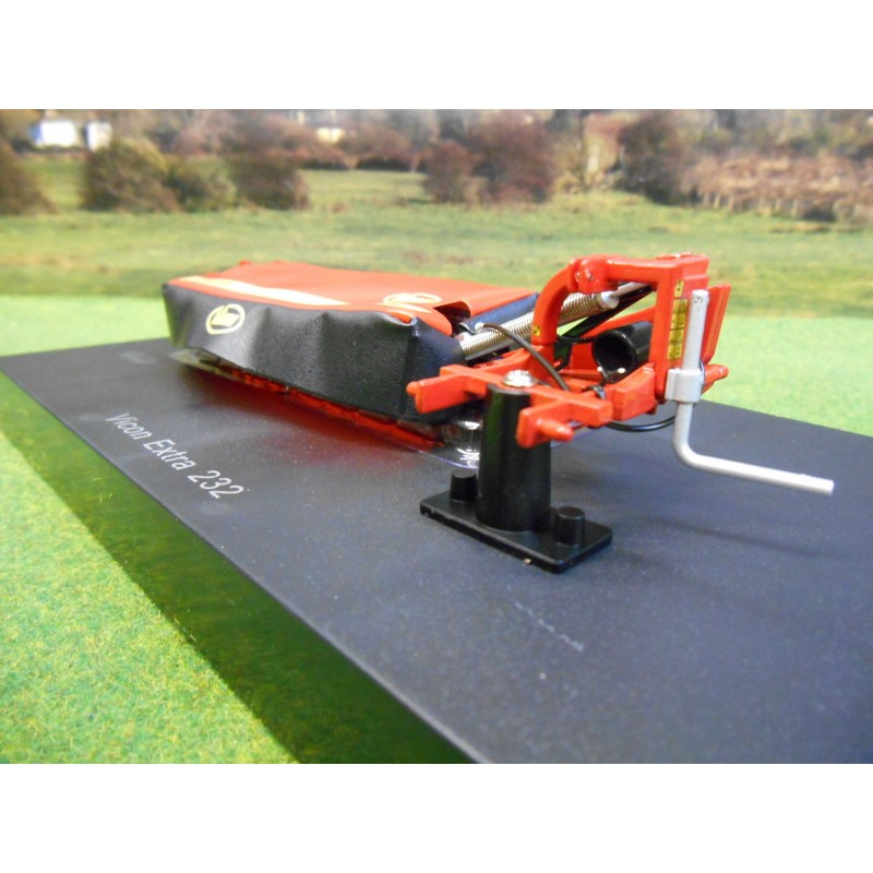 UNIVERSAL HOBBIES 1:32 VICON EXTRA 232 DISC MOWER