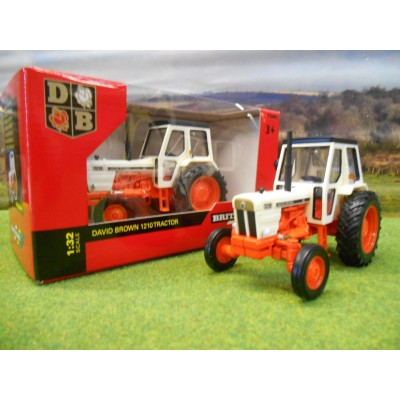 BRITAINS 1:32 CLASSIC DAVID BROWN 1210 2WD TRACTOR