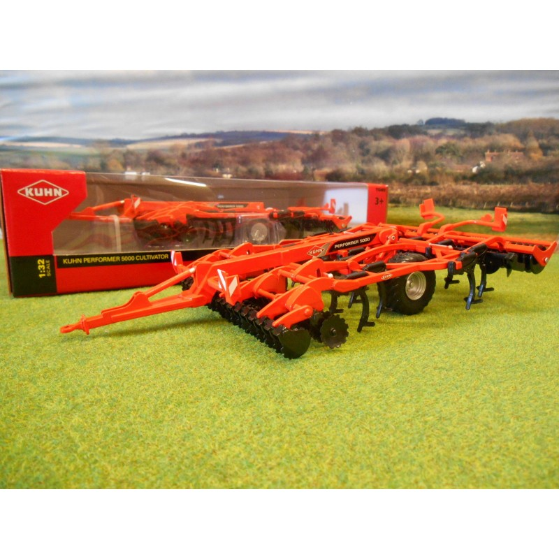 BRITAINS 1:32 KUHN PERFORMER 5000 CULTIVATOR