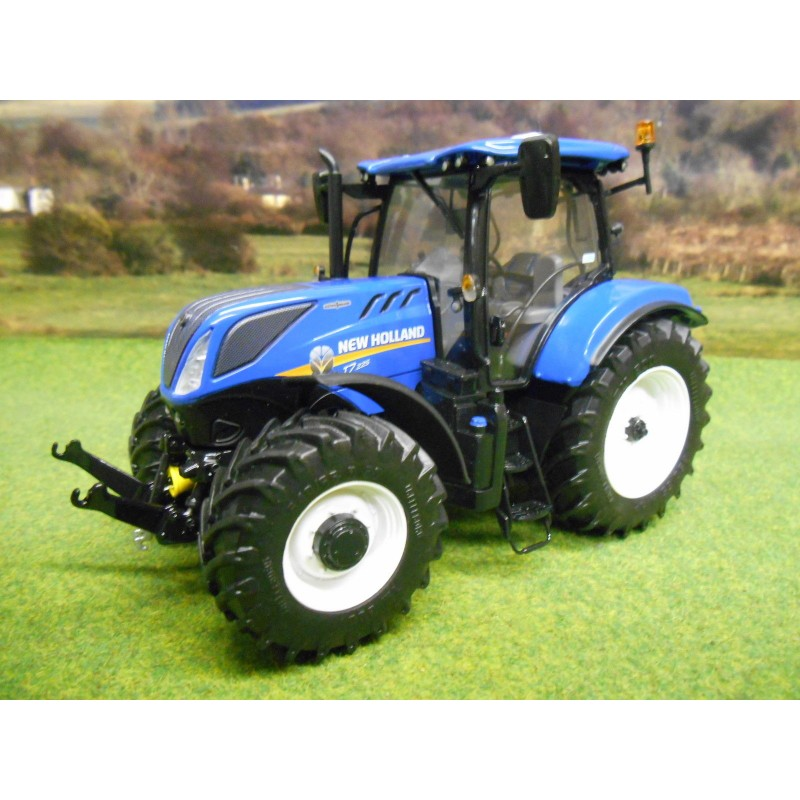 UNIVERSAL HOBBIES 1:32 2015 NEW HOLLAND T7.225 TRACTOR