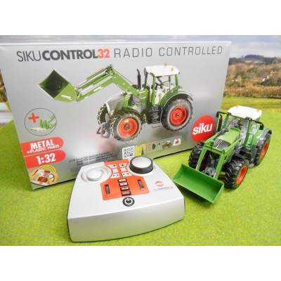 SIKU RADIO CONTROL 1:32 FENDT 939 VARIO WITH FRONT LOADER (2016 VERSION)