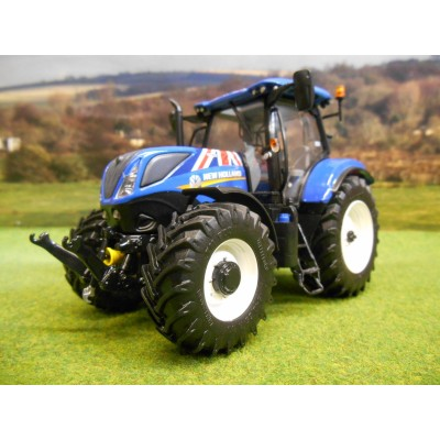 UNIVERSAL HOBBIES 1:32 NEW HOLLAND T7.225 (UNION JACK EDITION) TRACTOR
