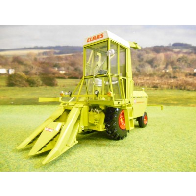 UNIVERSAL HOBBIES 1:32 CLAAS JAGUAR 60SF FORAGE HARVESTER