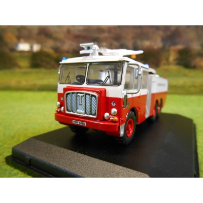 OXFORD 1:76 THORNYCROFT NUBIAN MAJOR FIRE TENDER GLAMORGAN FIRE SERVICE