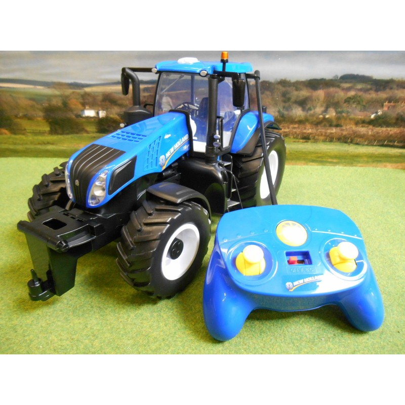 MAISTO TECH NEW HOLLAND T8.320 RADIO CONTROL TRACTOR