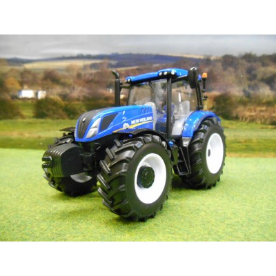 BRITAINS 1:32 NEW HOLLAND T6.180 4WD TRACTOR