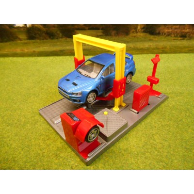 KIDS GLOBE GARAGE WORKSHOP RAMP WITH LIGHT & SOUND & DIECAST MITSUBISHI EVO 1/43