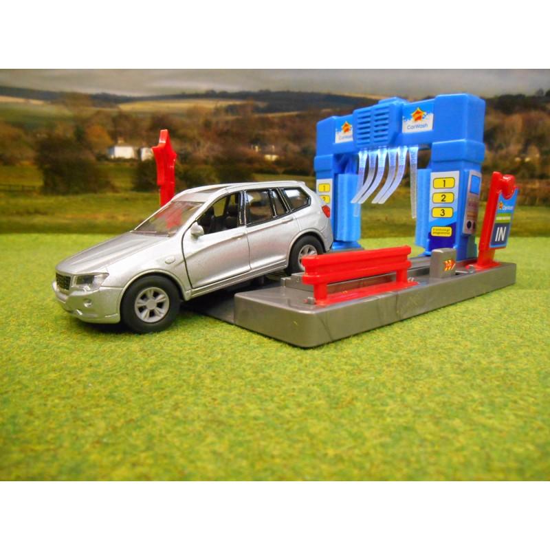 KIDS GLOBE GARAGE CAR WASH WITH LIGHT & SOUND & DIECAST