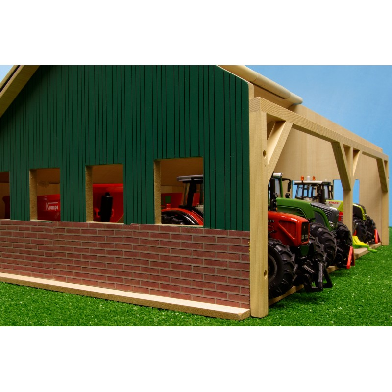 KIDS GLOBE 1:32 WOODEN TRACTOR BARN FOR SIKU & BRITAINS SIZE