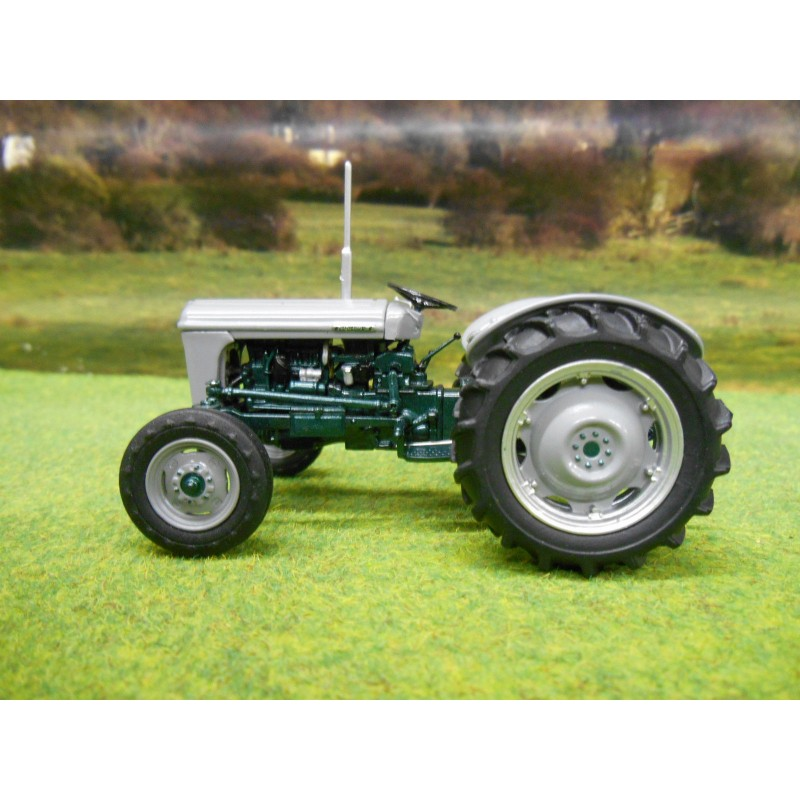 Ferguson To 35 Tractor : Universal hobbies ferguson to launch edition
