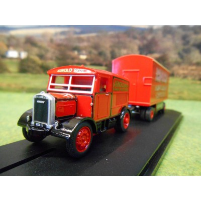 OXFORD 1:76 ARNOLD BROS AMUSEMENTS SCAMMELL SHOWTRAC & BOX TRAILER