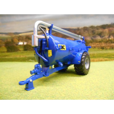 BRITAINS 1:32 BLUE NC 2500 SLURRY TANKER ROAD SIDE