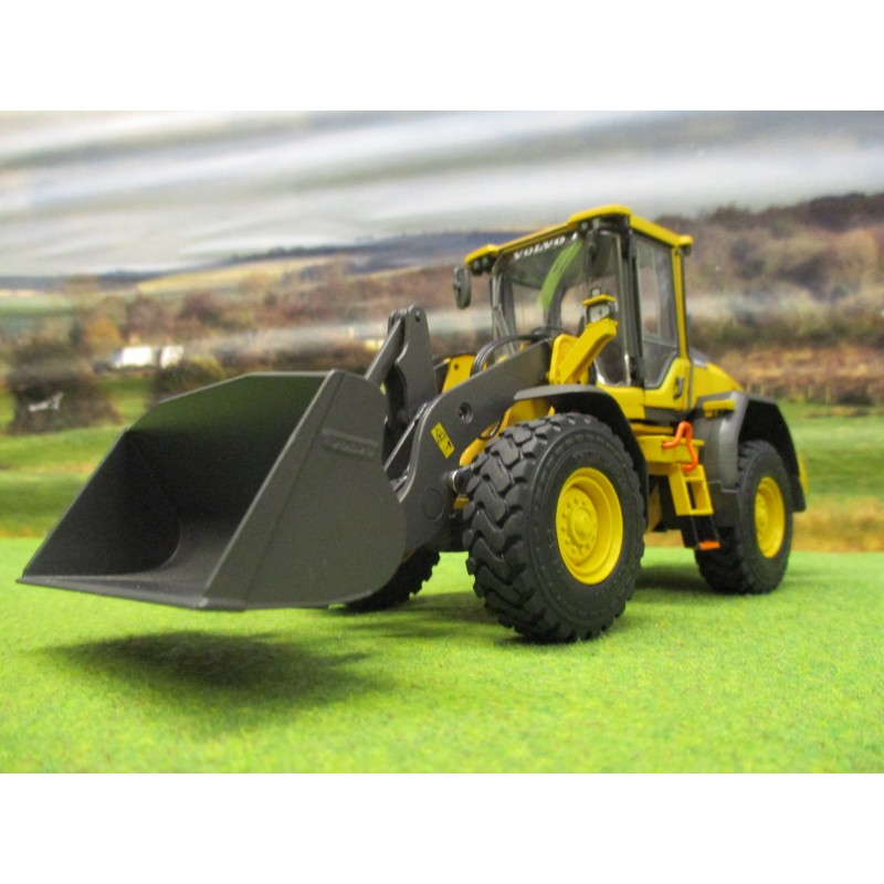 AT COLLECTIONS 1:32 VOLVO L60H WHEEL LOADER